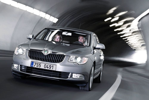 Skoda Superb (frontal)