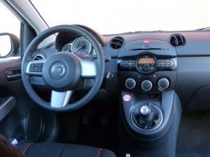 Mazda 2 1.6 CRTD Style+ (interior)