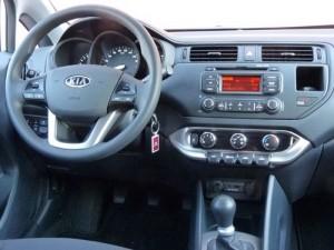 Kia Rio 1.2 CVVT (interior)