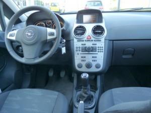 Opel Corsa 1.3 CDTi Ecoflex C'Mon (interior)
