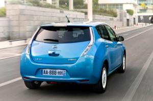 Nissan Leaf (trasera)