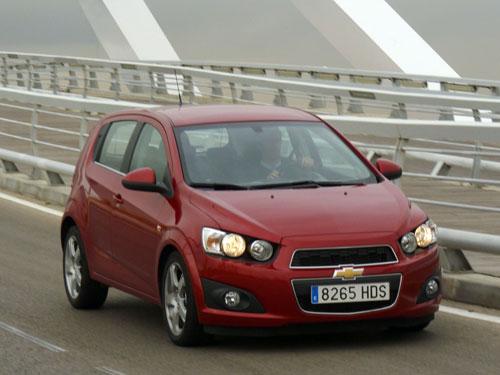 Chevrolet Aveo 1.6 LTZ (frontal)