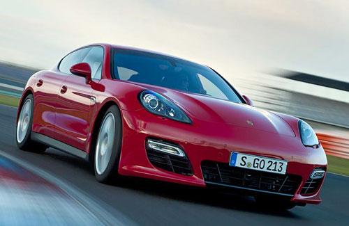 Porsche Panamera GTS (frontal)