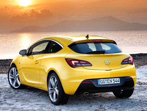 Opel Astra GTC (trasera)