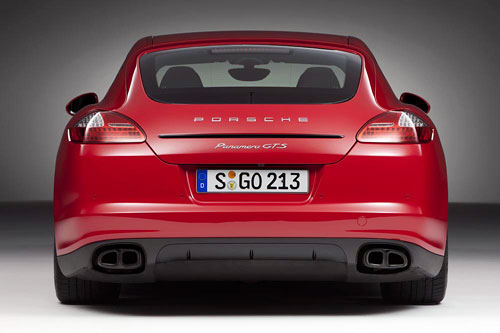 Porsche Panamera GTS (trasera)
