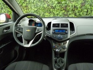 Chevrolet Aveo 1.6 LTZ (interior)