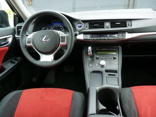 Lexus CT 200h Hybrid Drive (interior)