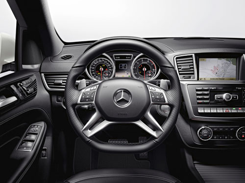 Mercedes-Benz ML 63 AMG (interior)