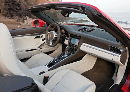 Porsche 911 Carrera Cabriolet (interior)