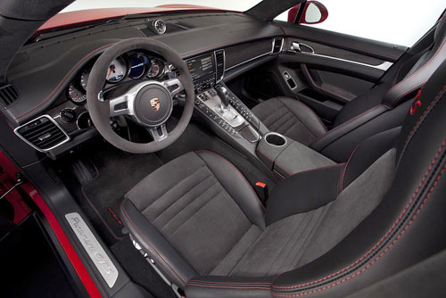 Porsche Panamera GTS (interior)