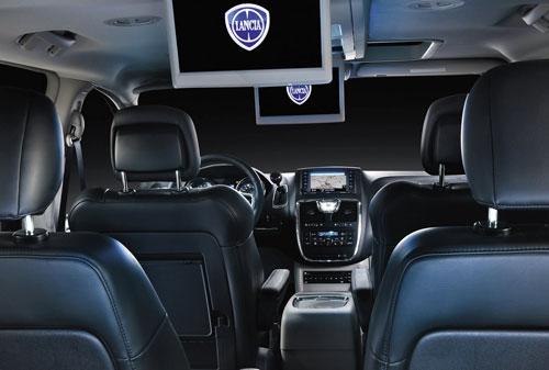 Lancia Voyager (asientos, pantallas)