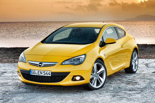 Opel Astra GTC (frontal 2)