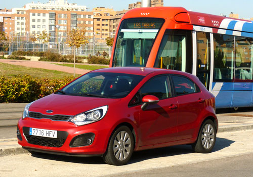 Kia Rio CRDi Emotion (frontal)