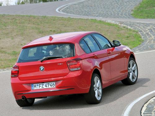 BMW 118d Sport (trasera)