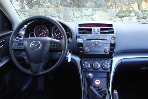 Mazda 6 Wagon 2.2 CRTD Style (interior)