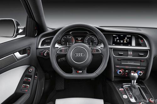 Audi S4 (interior)