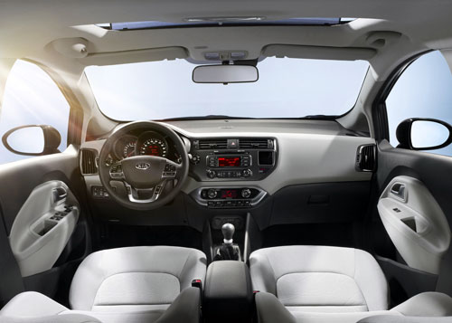 Kia Rio CRDi Emotion (interior)