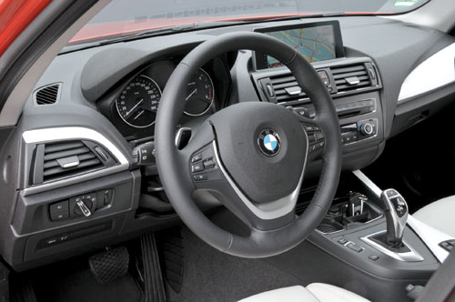 BMW 118d Sport (interior)