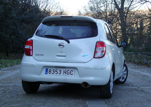 Nissan Micra (trasera)