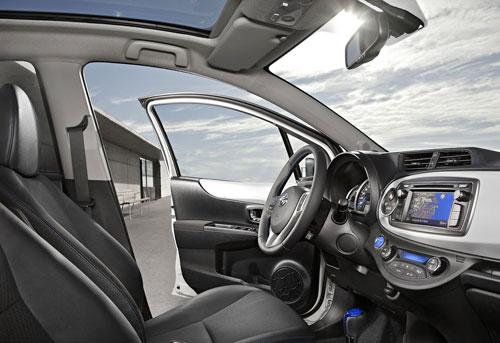 Toyota Yaris Híbrido (interior)