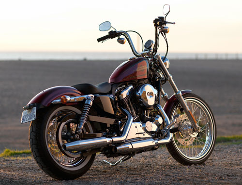 Harley Davidson Sportster Seventy Two (trasera)