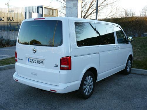 Volkswagen Multivan 2.0 TDI Comfortline Edition 4Motion (trasera)