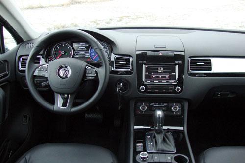 Volkswagen Touareg 3.0 V6 TDI Premium (interior)