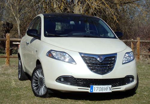 Lancia Ypsilon 0.9 TwinAir Platinum (frontal)