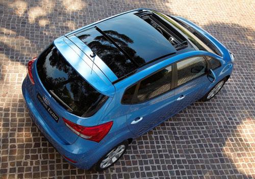 Hyundai ix20 1.6 CRDi Sport Sky (trasera)