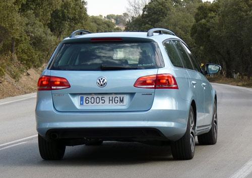Volkswagen Passat Bluemotion TDI 105 CV (trasera)