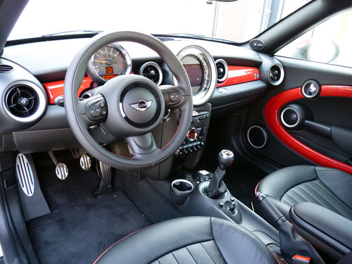 Mini Coupé John Cooper Works (interior)