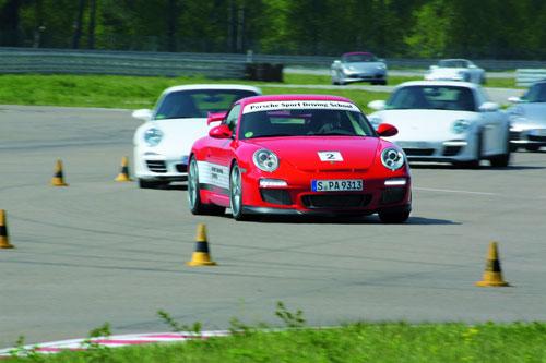 Escuela de conducción de Porsche (2) (Porsche Driving School)
