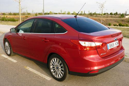 Ford Focus Sedán 1.6 TDCi Titanium (trasera)