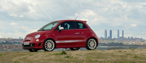 Abarth 500 Esseessee (frontal-lateral)