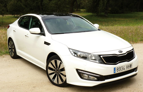 Kia Optima (frontal)