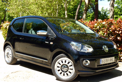 Volkswagen up! 1.0 MPI 60 CV Black & White (frontal)