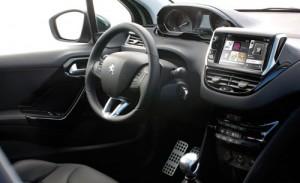 Peugeot 208 (interior)