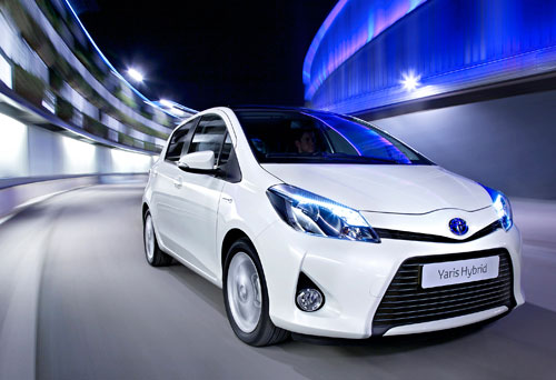 Toyota Yaris Hybrid (frontal)