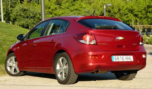 Chevrolet Cruze 5p (trasera)