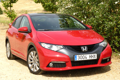 Honda Civic 2.2 i-DTEC Executive (frontal)
