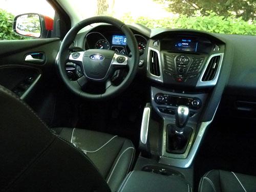 Ford Focus 1.0 EcoBoost Titanium (interior)