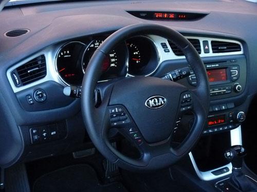 Kia Cee'd 1.6 GDi 135 CV (interior)