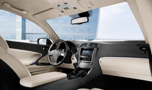 Lexus IS 200d (interior)