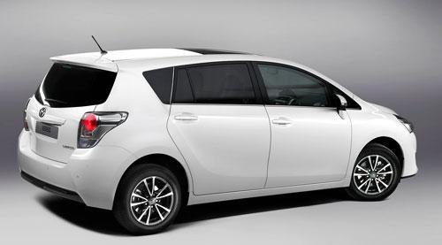 Toyota Verso (trasera)