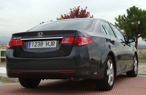 Honda Accord 2.2 i-DTEC Lifestyle (trasera)