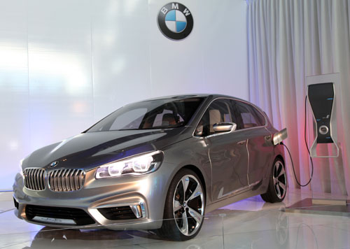 BMW Concept Active Tourer (frontal)