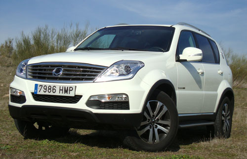 SsangYong Rexton W (frontal)