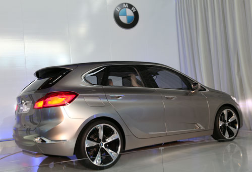 BMW Concept Active Tourer (lateral)