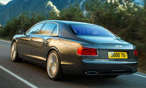 Bentley Flying Spur (trasera)