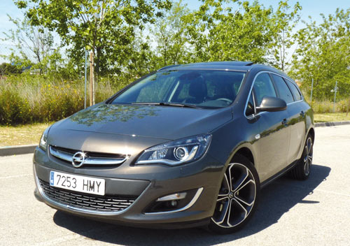 Opel Astra Sports Tourer (frontal)